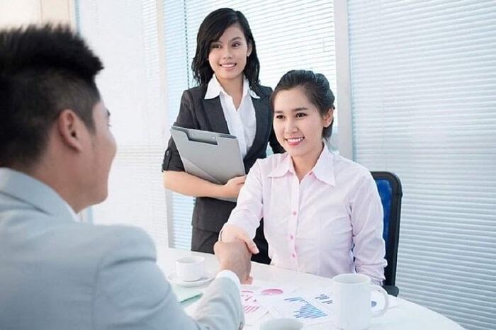 Nhân viên sales nói một cách dễ hiểu thì chính là nhân viên bán hàng cho doanh nghiệp